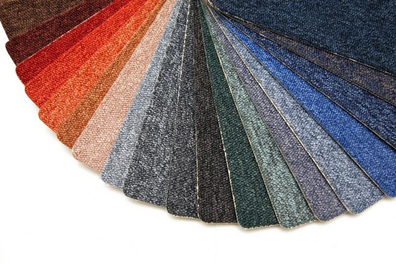 Echantillons de moquette de plusieurs couleurs